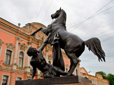 В поисках бронзовых коней - экскурсия