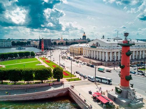 vasilyevskij-ostrov-morskoj-port-severnoj-stolitsy