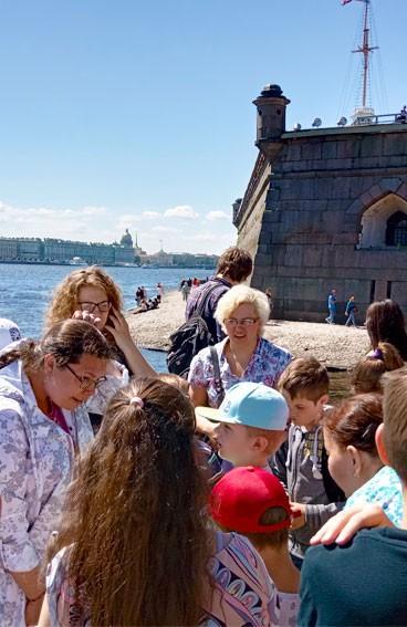 Экскурсии для детей по СПб и пригородам <br />от компании «Открытие Петербурга»